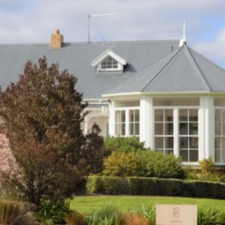 The Hunting Lodge Winery & Restaurant - Auckland