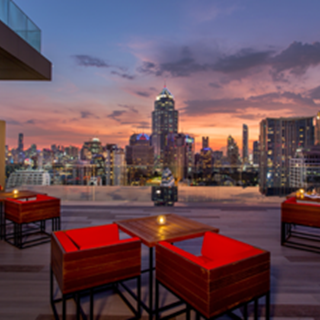 RedSquare Rooftop Bar - Klongtoey