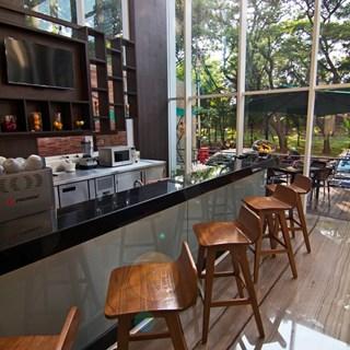 sTREATs Bar - Jakarta