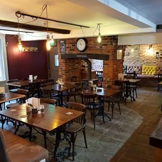Hooden Smokehouse & Cellar - Ashford