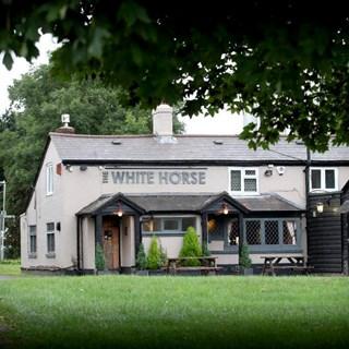 The White Horse - Luton