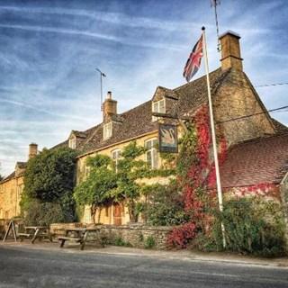 The Swan Inn, Swinbrook - OXON