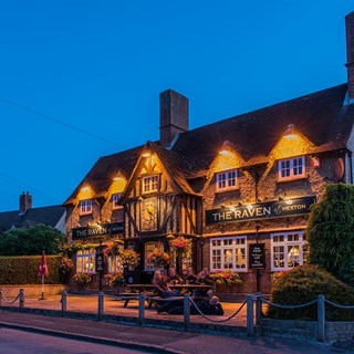 The Raven - Hitchin