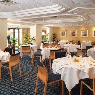 The Hampshire Court Hotel - Hampshire Restaurant