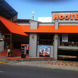 Hooters Cancún - Party Center - Cancún